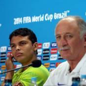 Thiago Silva comenta lesão de Neymar: 'Tirado da Copa da maneira covarde'