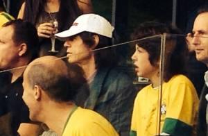 Mick Jagger torce para o Brasil na Copa do Mundo e reforça fama de pé-frio