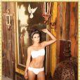Ana Júlia Dorigon já fez fotos sensuais de calcinha e sutiã