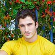 Diego Amaral vai interpretar Alan, irmão mais velho de Duca (Arthur Aguiar)
