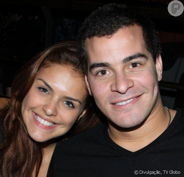 Thiago Martins fala sobre relação com Paloma Bernardi. 'É o meu namoro mais longo'