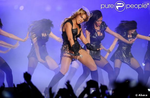 Depois de se apresentar no Super Bowl e calar a crítica com sua apresentação ao vivo, Beyoncé se irritou com as imagens publicadas que desfavoreciam sua beleza em um site americano, informou o endereço eletrônico em 6 de fevereiro de 2013