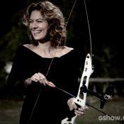 Patricia Pillar faz aula de arco e flecha para 'O Rebu': 'Uma arte superdifícil'