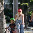 José e Carolina Dieckmann aproveitam as férias juntos