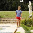 Fernando (Marco Ricca) fica furioso ao saber que Rodrigo (Brenno Leone) está na piscina de sua casa com Daniele (Alice Wegmann), em 'Boogie Oogie'