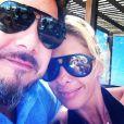Adriane Galisteu aproveitou os dias de folga em Punta Del Este, ao lado do marido, Alexandre Iódice