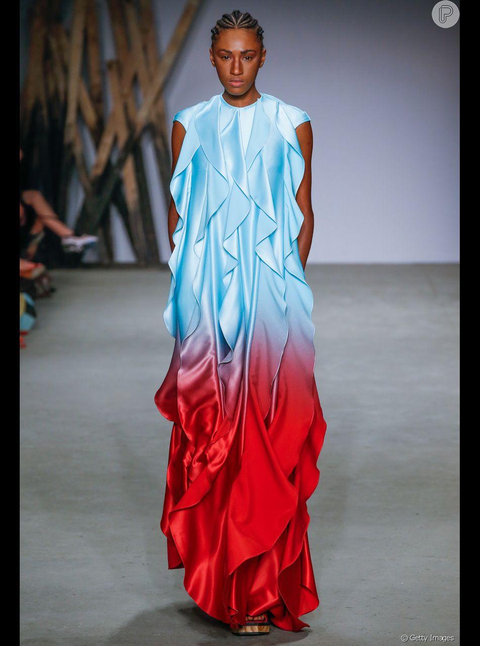 Os vestidos coloridos que vão estar em alta nesse verão. Degradê no look Apartamento 03