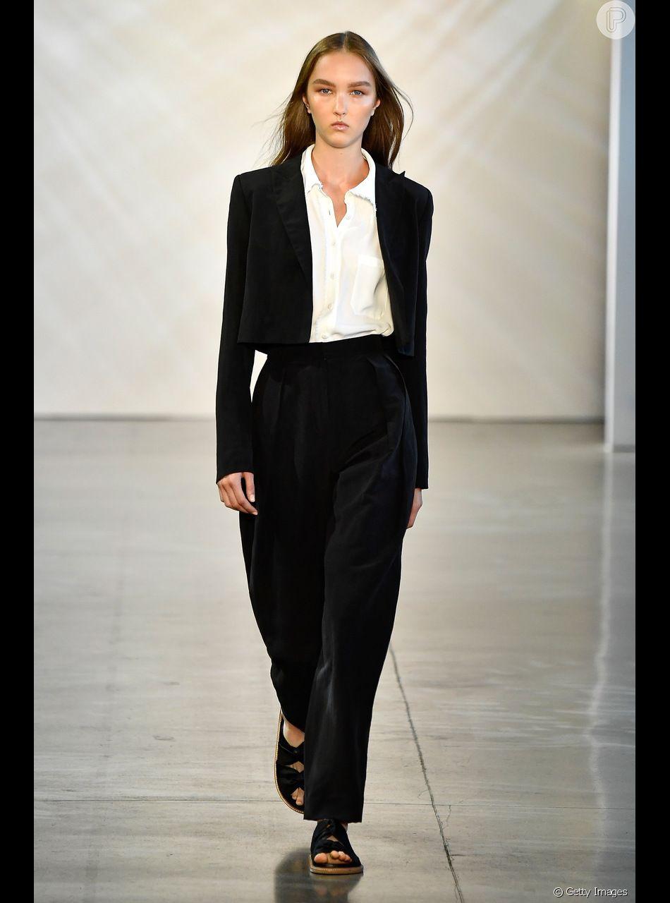 4a028b36a4 Básicos para comprar na Black Friday. O terno preto é um clássico fashion e  vale o investimento