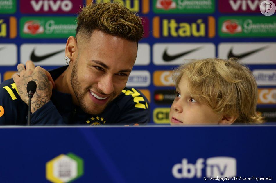 Filho de Neymar, Davi Lucca participa de coletiva e faz