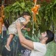 Rafael Cupello e Aline Dias brincaram com Bernardo em aniversário do filho