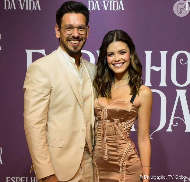 João Vicente de Castro e Vitória Strada ficam constrangidos após pergunta de Sophia Abrahão no 'Vídeo Show', em 16 de novembro de 2018