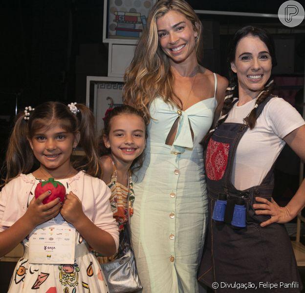 Grazi Massafera levou a filha, Sofia, de 6 anos, para prestigiar a peça 'Diário de Pilar na Grécia', no Teatro dos Quatro, no Shopping da Gávea, na zona sul do Rio de Janeiro, neste domingo, 18 de novembro de 2018