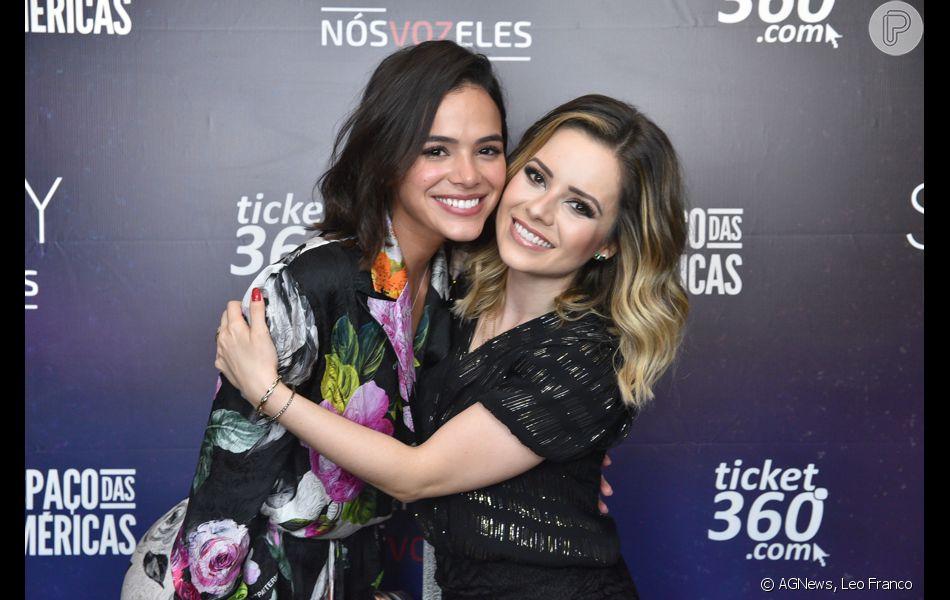 Bruna Marquezine curtiu o show de Sandy neste domingo, 9 de novembro de 2018, em SP