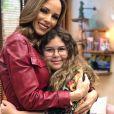 Ana Furtado  mostrou reação da filha ao encerrar tratamento contra o câncer