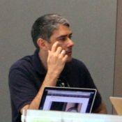 William Bonner compra computador para o filho em shopping no Rio