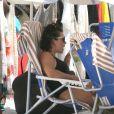 Fernanda Souza se divertiu no dia na praia com Thiaguinho