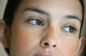 Natural look! Maquiadora ensina a fazer sardas fakes com maquiagem