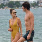 Alessandra Ambrosio namora e beija muito em praia de Florianópolis. Fotos!