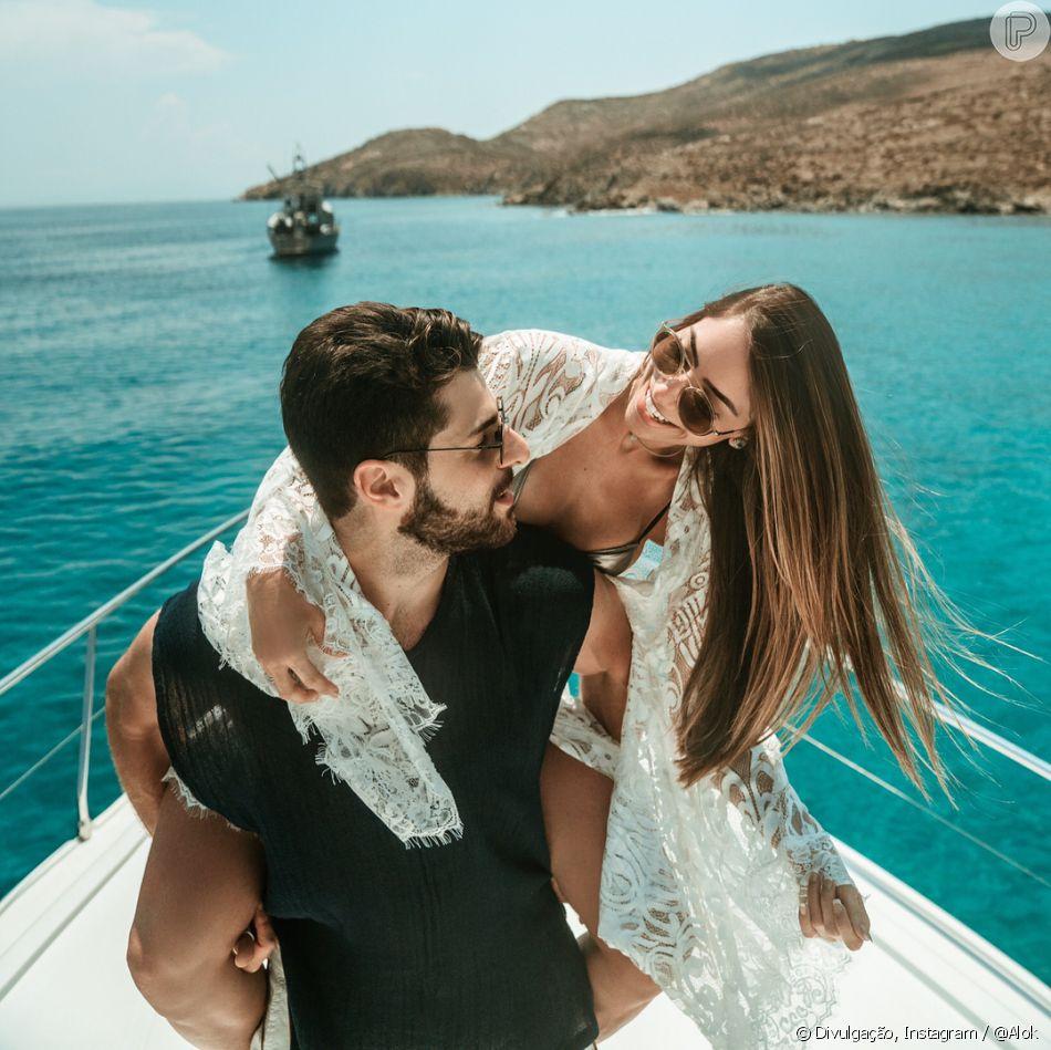 DJ Alok se casa com a médica Romana Novais