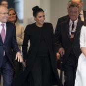 Givenchy reciclado e clutch free: o look de Meghan Markle em visita à associação