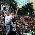 Leandra posa com Maria Rita durante desfile do Cordão da Bola Preta, no Centro do Rio