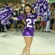 Sabrina Sato mostra boa forma em ensaio de carnaval da Vila Isabel