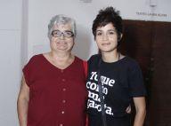 Show em família! Nanda Costa e avó prestigiam espetáculo de Lan Lanh no Rio