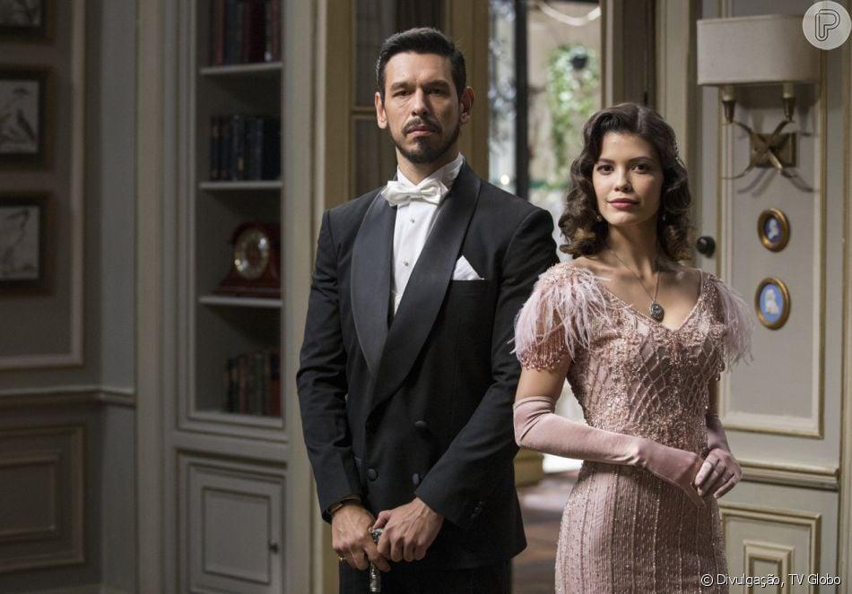 Alain (João Vicente de Castro) vai suspeitar que Júlia (Vitória Strada) foi morta por Gustavo Bruno (João Vicente de Castro) na novela 'Espelho da Vida'