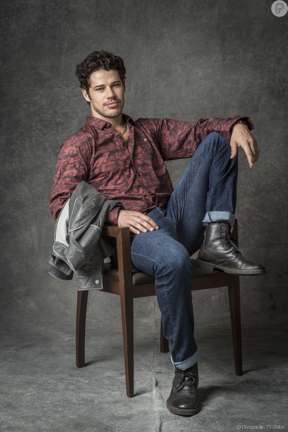 José Loreto se envolveu com atriz experiente e ex-'Malhação' em 'O Sétimo Guardião', afirmou Leo Dias nesta quarta-feira, dia 20 de fevereiro de 2019