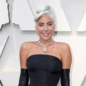 'Bonequinha de Luxo'! Lady Gaga cruza red carpet do Oscar com joia de R$ 113 mi