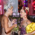 Deborah Secco se encontrou com Mariana Ximenes no Baile da Arara, em Santa Tereza, centro do Rio