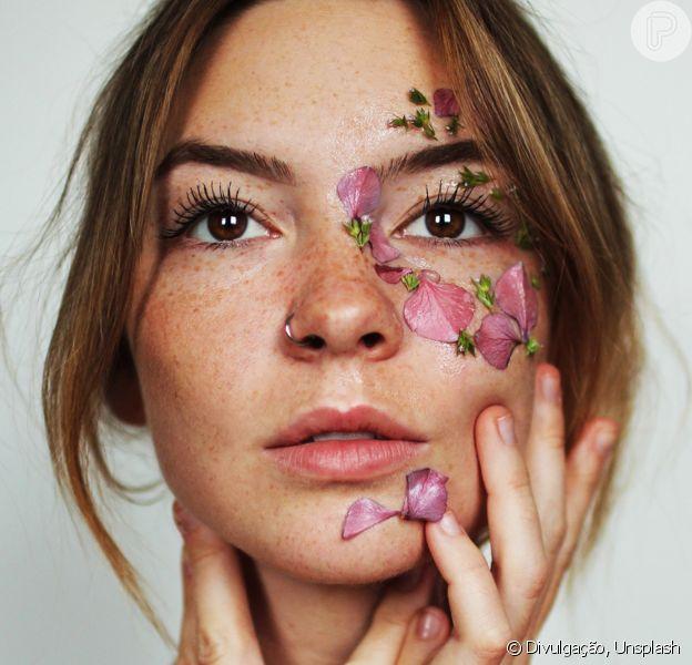 Beleza sustentável: preferência por produtos naturais e mudança de hábito é um dos passos para conseguir uma rotina mais consciente