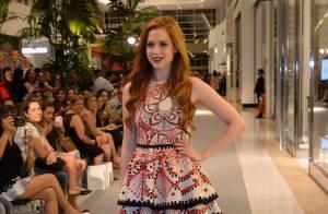 Sophia Abrahão brilha em desfile de evento de moda em shopping de São Paulo