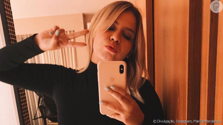 Marília Mendonça repete penteado do dia anterior em produção para curtir o sábado do dia 23 de março