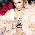 Jennifer Lopez tem sempre o olhar iluminado com corretivo mais claro e pele radiante