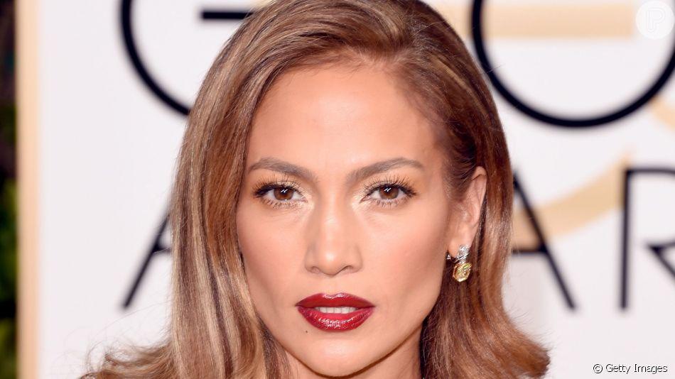 Confira o segredo da maquiagem glow de Jennifer Lopez