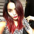 Vanessa Hudgens radicalizou e mudou o tom de seus cabelos para o ruivo. Curtiu?