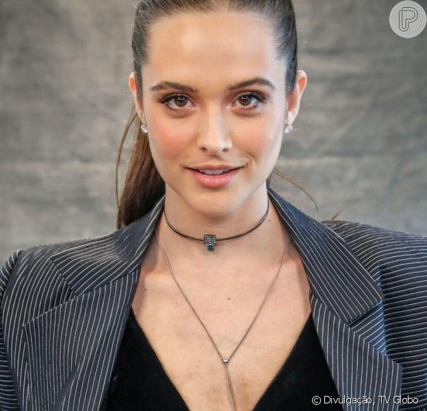 Solteira, Juliana Paiva dança forró em aniversário de 26 anos com amigas na quinta-feira, dia 29 de março de 2019
