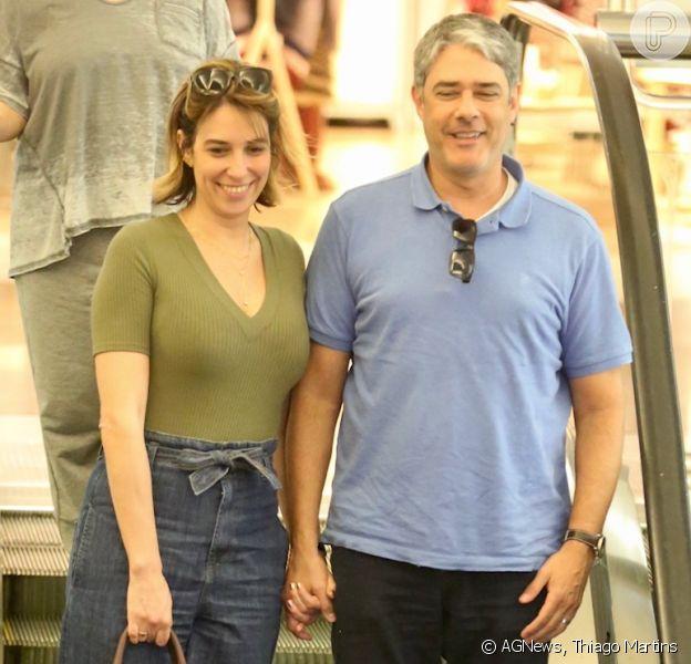 William Bonner e Natasha Dantas almoçam juntos em shopping do Rio de Janeiro, em 31 de março de 2019