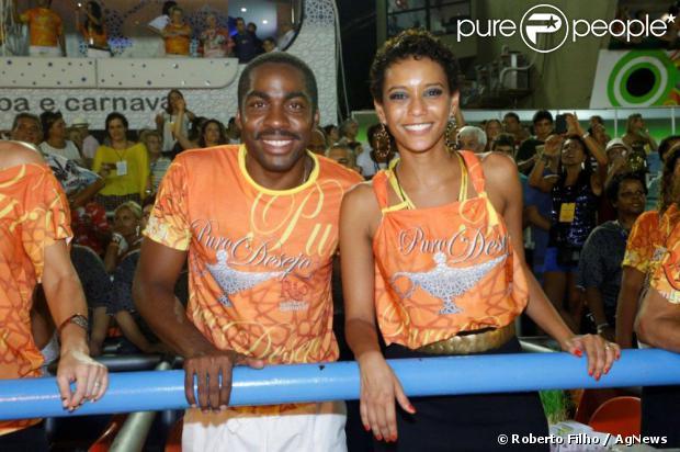 Taís Araújo e Lázaro Ramos vão ao desfile das campeãs, no Rio de Janeiro, em 17 de fevereiro de 2013