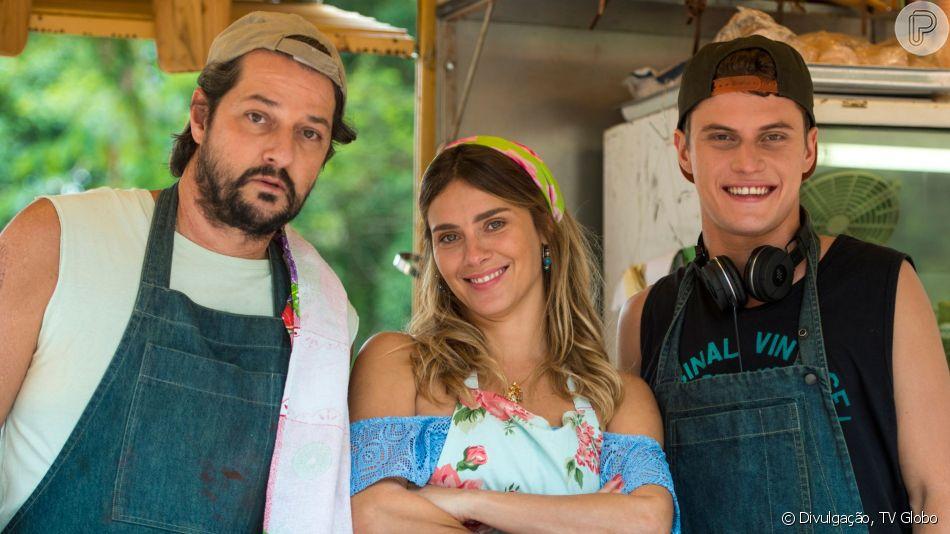 Na novela 'O Sétimo Guardião', Afordite (Carolina Dieckmann) vai contar para o filho que Nicolau (Marcelo Serrado) foi vítima de agressão e abusos do pai quando era criança.