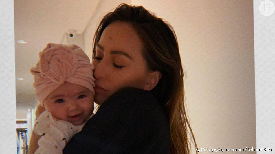 Sabrina Sato mostra look estiloso da filha, Zoe, em foto, em 13 de abril de 2019