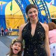 Grazi Massafera se derreteu pela filha ao ver Sofia cantando em inglês