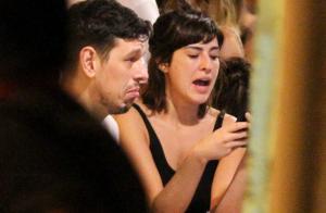 Fernanda Paes Leme e João Vicente de Castro protagonizam beijão em prêmio. Vídeo