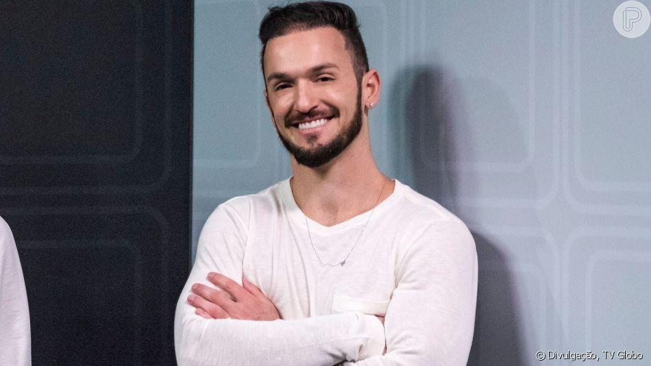Diego Hypolito faz harmonização facial