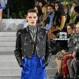 Jaqueta de couro com pegada oitentista da Louis Vuitton lembra um pouco as Paquitas