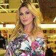 Livia Andrade comenta reação da criança: ' O menino parou na hora. Foi babado'