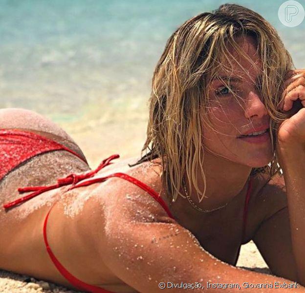 Bruno Gagliasso exalta beleza de Giovanna Ewbank em foto de biquíni na praia