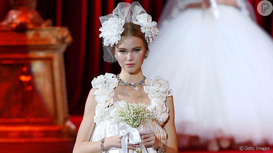 Modelos de vestido de noiva curtos para você se inspirar