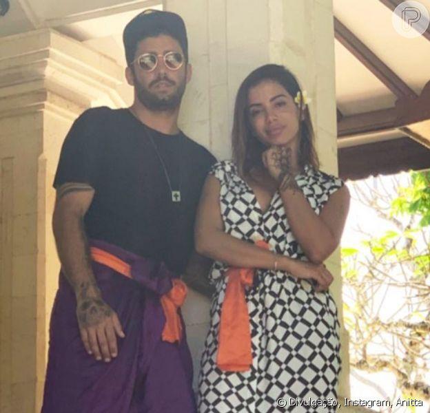 Anitta assume relacionamento com Pedro Scooby durante viagem por Bali, na Indonésia